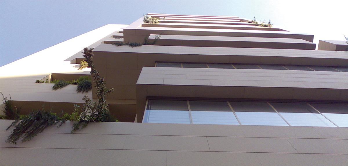 Al Manara Tower COMPAC façade